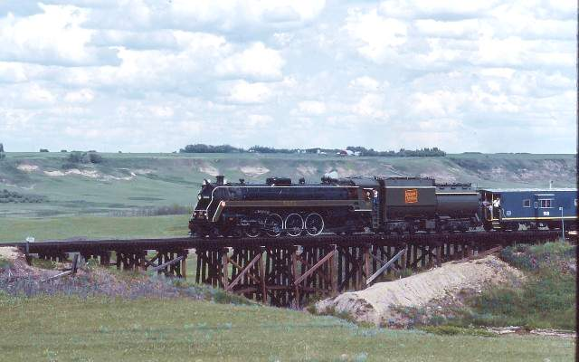 CNR 6060 at Warren, Alberta. Photo taken and submitted by Massey F. Jones.